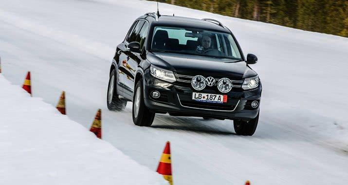 Testování zimních pneumatik SUV a 4×4 v rozměru 215/65 R16