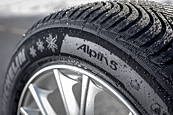 Michelin ALPIN 5 215/55 R17 94 H Zimní
